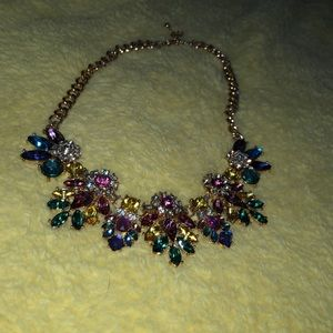 Also statement necklace